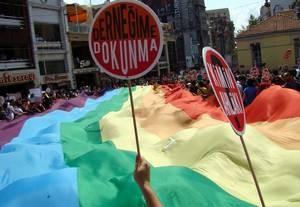 csm_gay-pride-istanbul_2d331d7933
